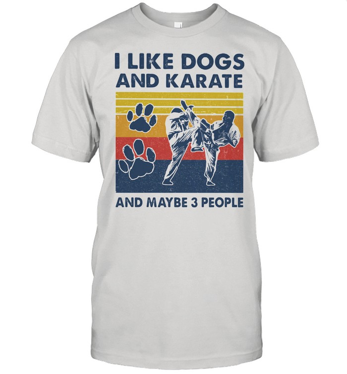I like dogs and karate and maybe three people vintage shirt Classic Men's T-shirt