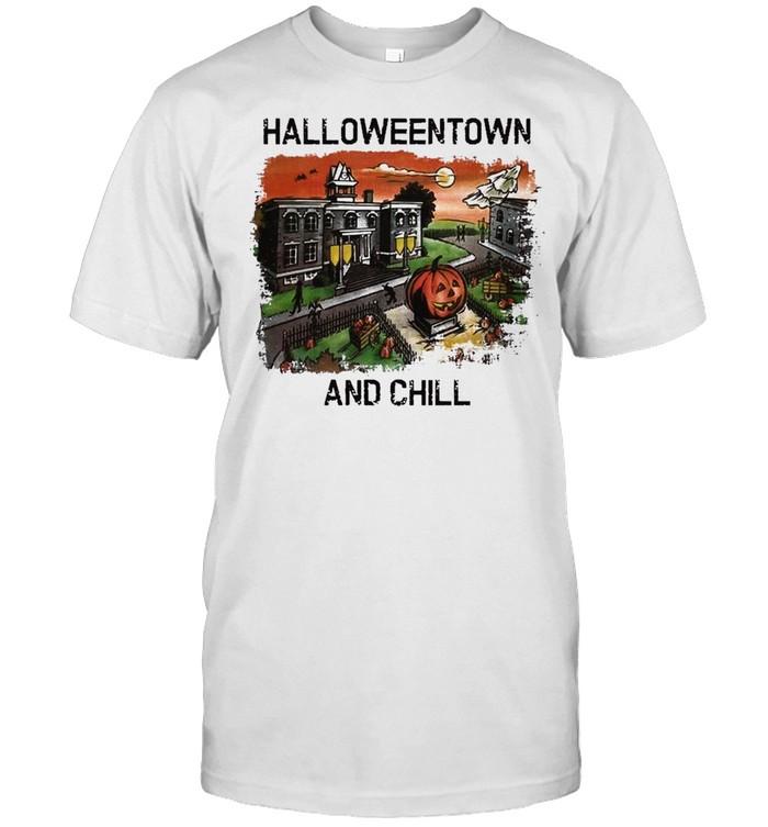 Halloweentown and Chill Pumpkin shirt Classic Men's T-shirt