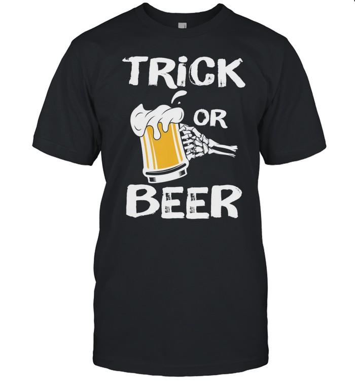 Halloween Beer Trick or Treat shirt Classic Men's T-shirt